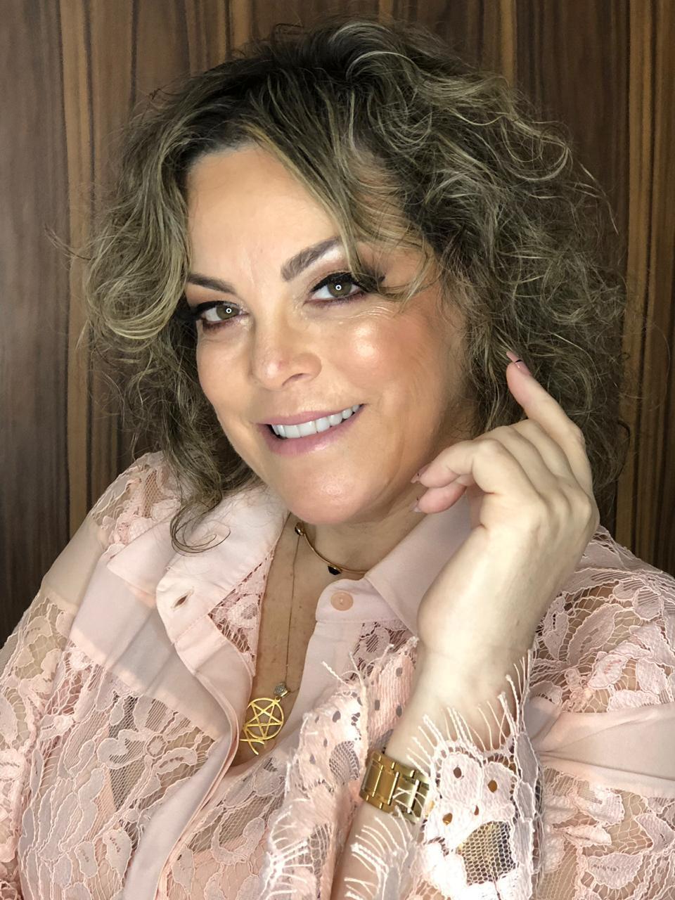 Ana Cláudia Thorpe - Jornalista: sempre movimentando o Recife
